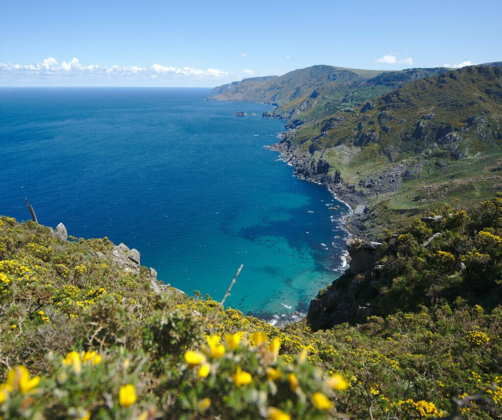 les magnifiques falaises de la côte nord galicienne