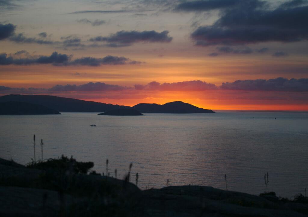 coucher de soleil sur les rias altas en Galice
