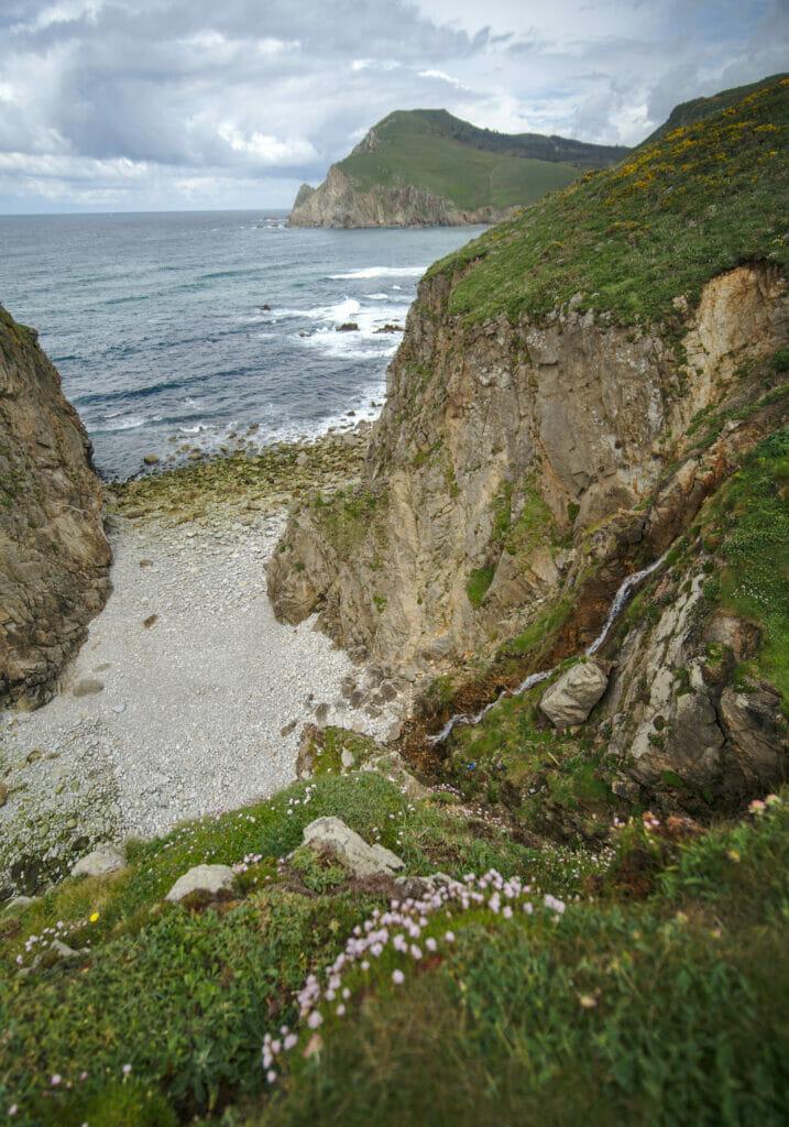 cascade de la plage de Lopesa