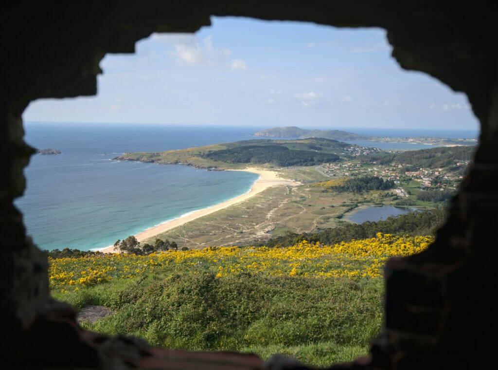 la vue depuis le trou du Monte Ventoso