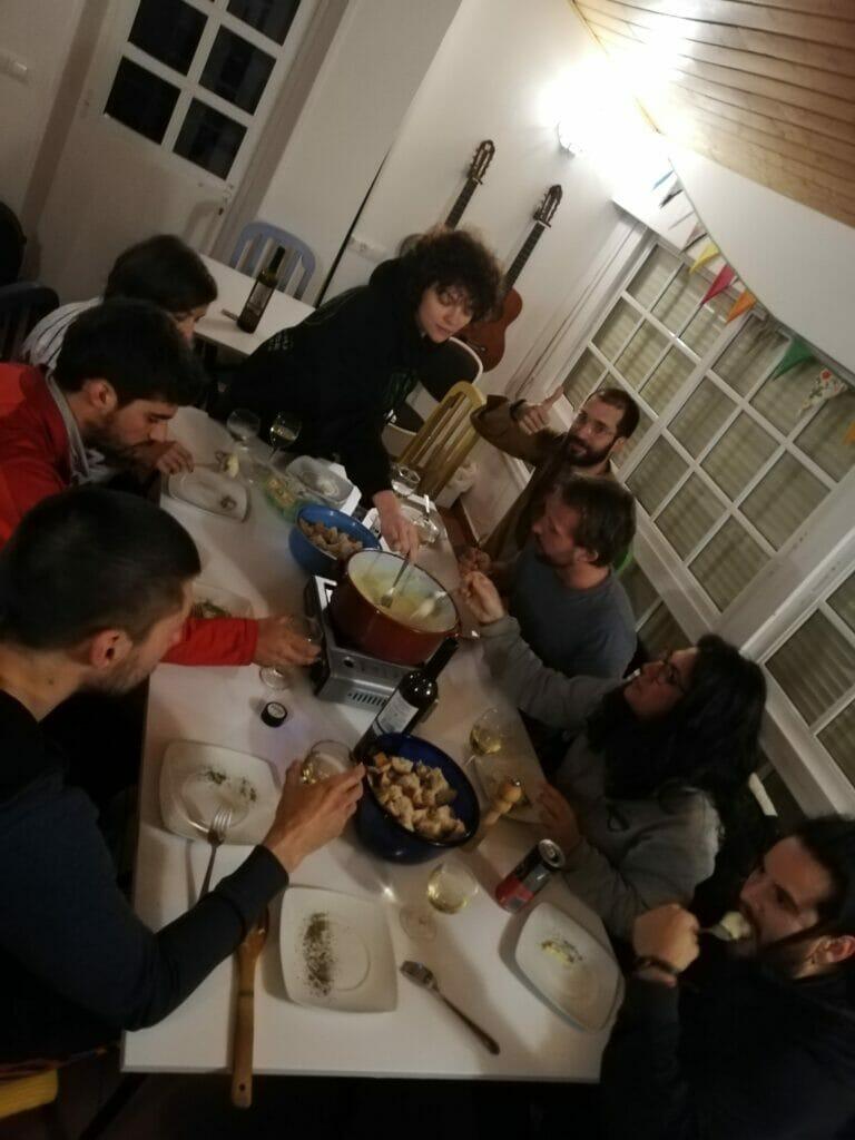 soirée fondue à Anceu coliving