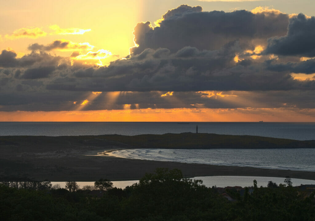 coucher de soleil sur la plage de a Frouxeira