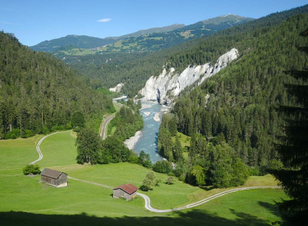panorama des gorges du Rhin entre Versam et Valendas