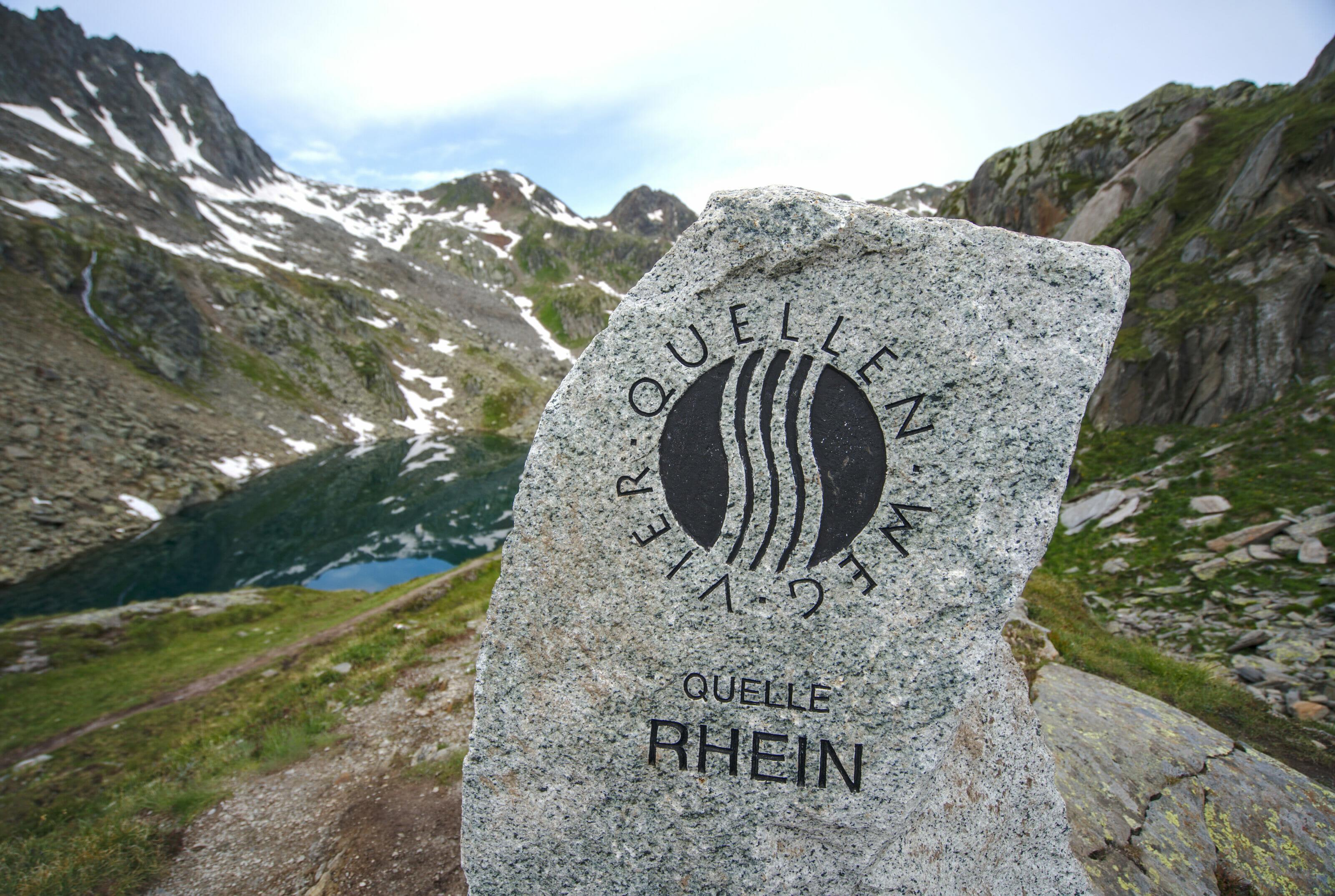 pierre de la source du Rhin