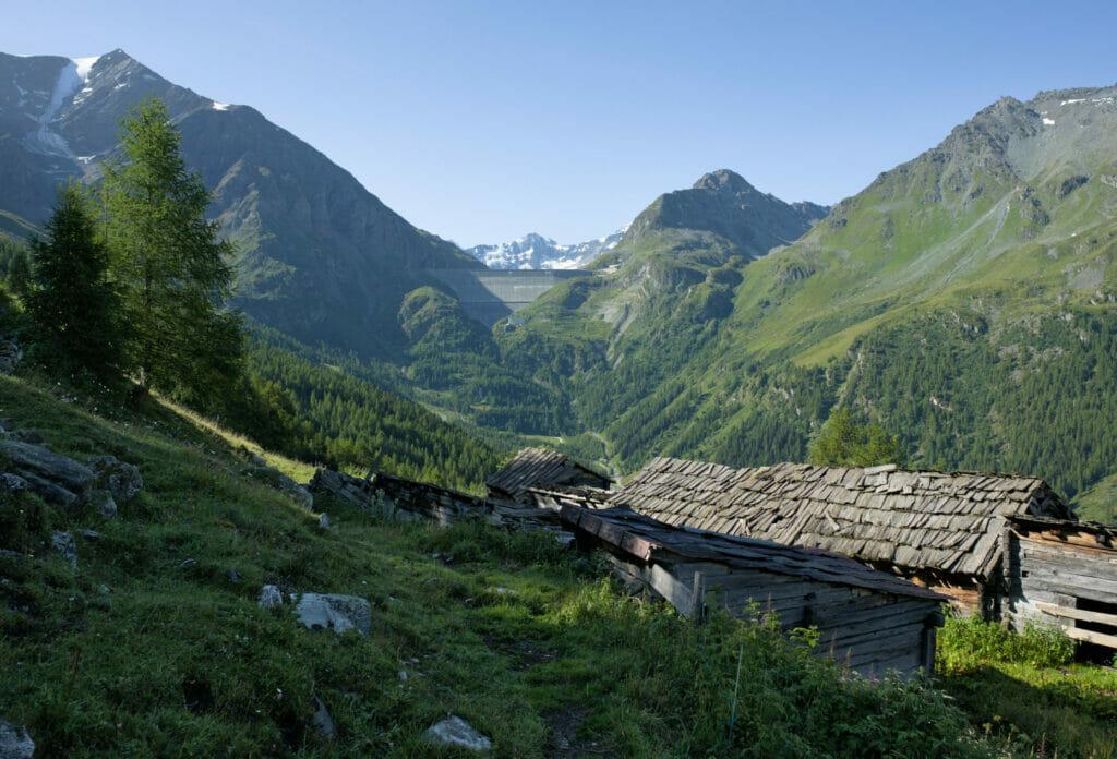 vue sur la Grande Dixence depuis l'alpage de Novelli