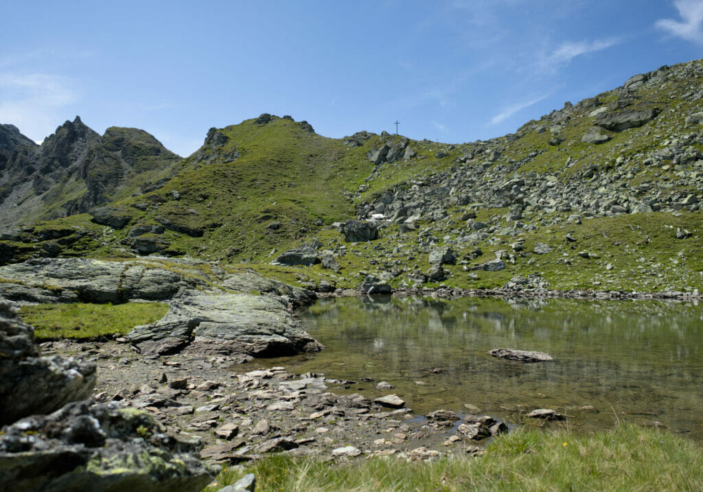 petit lac sous le col de la Meina
