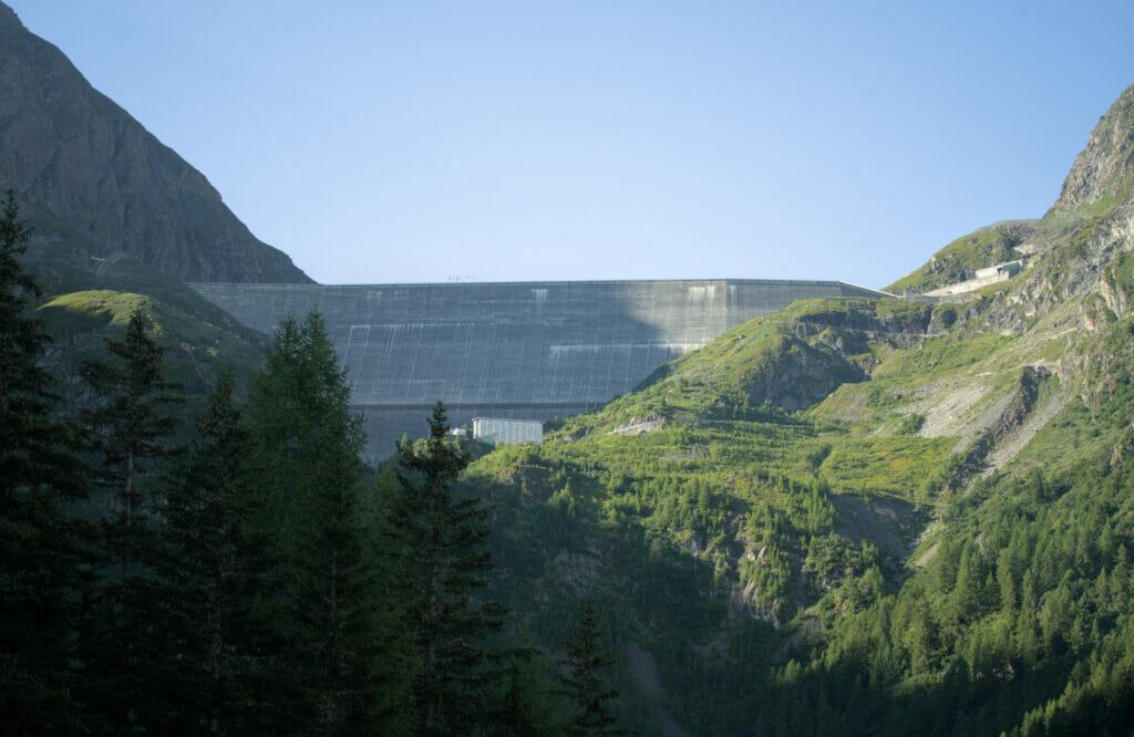 barrage de la Grande Dixence dans le val des Dix
